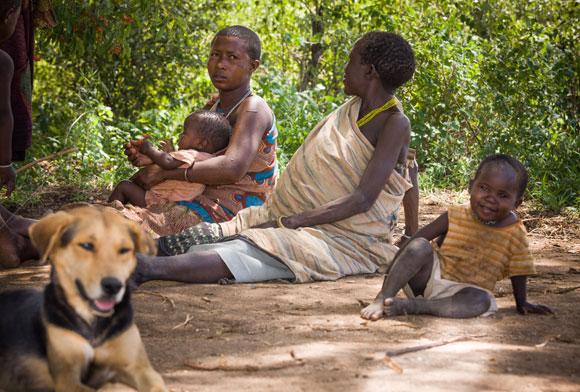 נשים משבת ההאדזה. שיתוף בין הדורות | צילום: שאטרסטוק