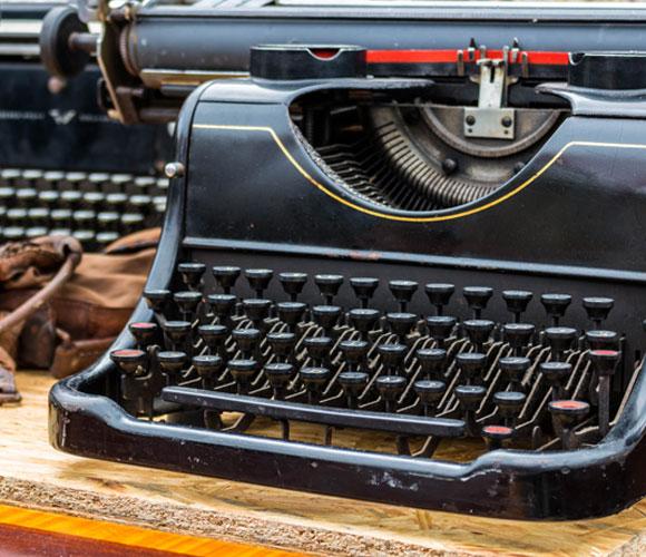 מכונת כתיבה בשוק פשפשים