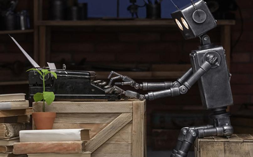 רובוט מקליד על מכונת כתיבה